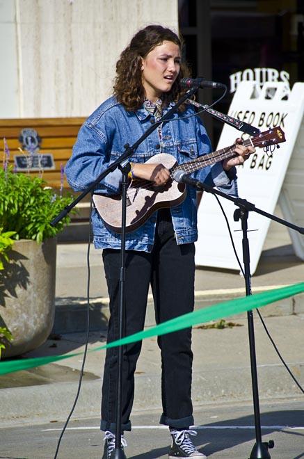 SingerMusician